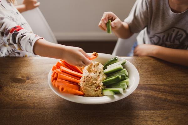 Alimentación infantil: Cómo introducir nuevos alimentos con los peques